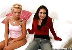 Facet gillian anderson w filmie porno liże owłosione pachy, cipkę, dwie BI